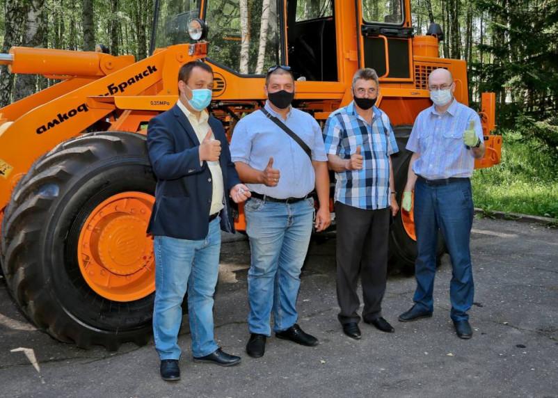 В Десногорск поступила вторая единица новой спецтехники для нужд благоустройства