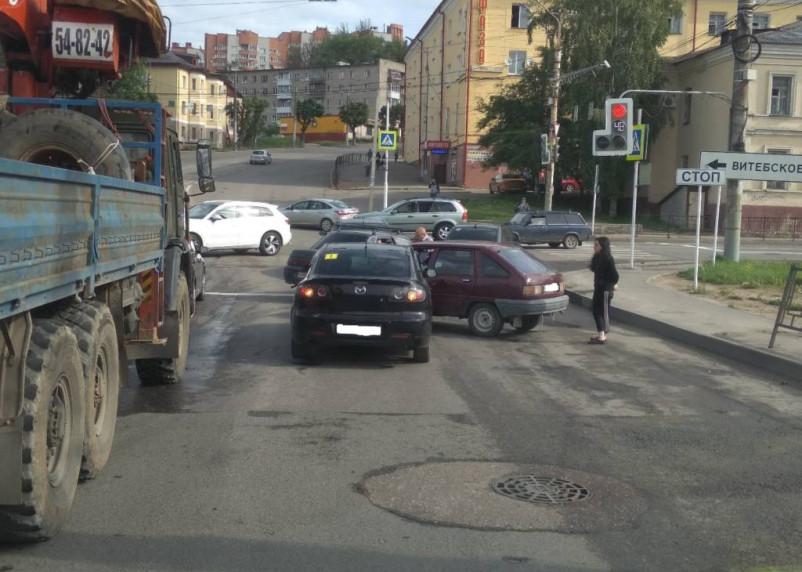 ДТП в Смоленске провоцирует пробку на Витебском шоссе