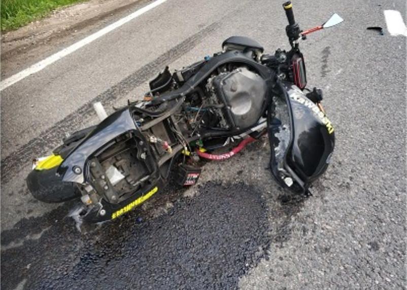 В Ярцеве водитель иномарки снес мотоциклиста. Подросток госпитализирован