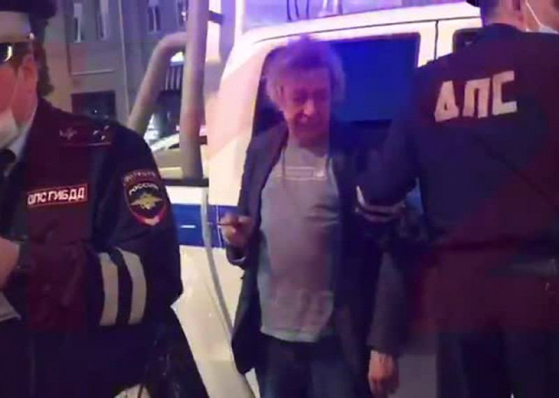 Адвокат: Ефремов готов усыновить детей из семьи Захарова