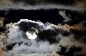 Что несёт Лунное затмение 5 июля. Астролог Анаит дала советы