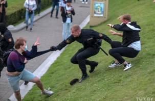 В Белоруссии попытались задавить милиционеров