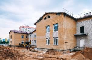 Строительство детского сада в Смоленске идет с отставанием в графике