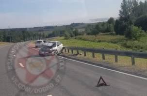 В Смоленском районе иномарка протаранила ограждение