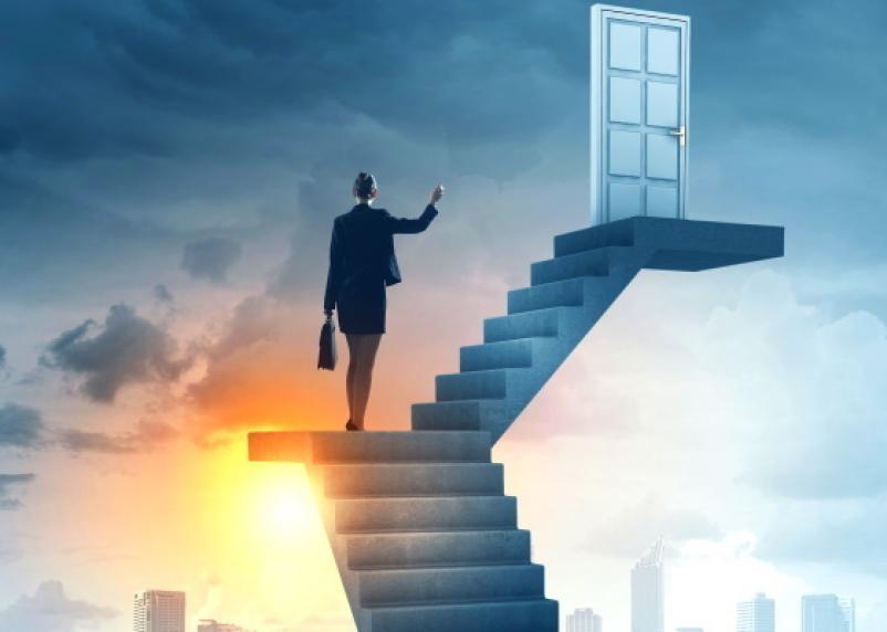 Когда просить повышение. Астрологи назвали 5 благоприятных дней августа для рывка в карьере и открытия бизнеса
