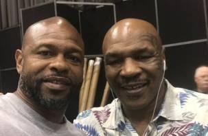 На ринге встретятся легенды бокса Рой Джонс и Тайсон