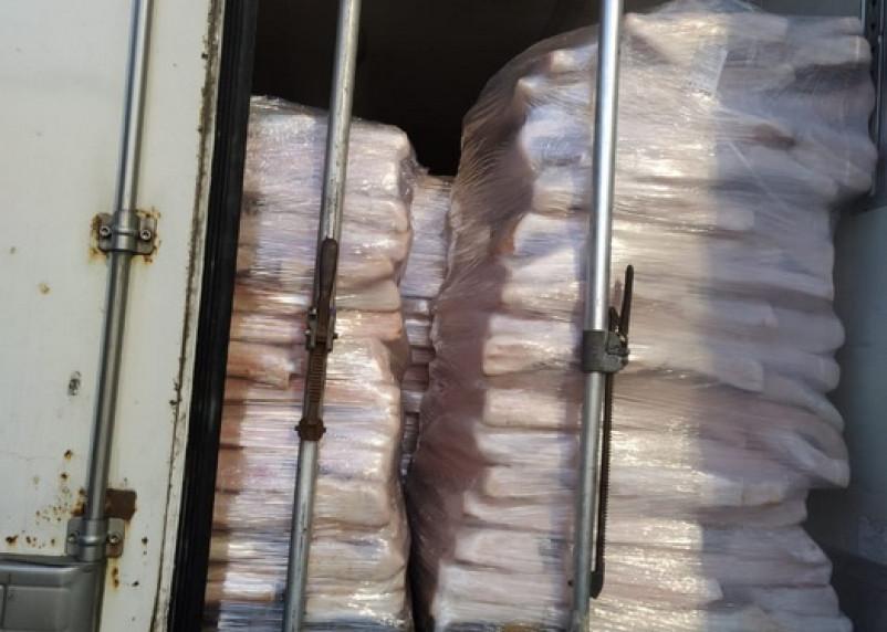 20 тонн подозрительного шпика не пустили в Смоленскую область