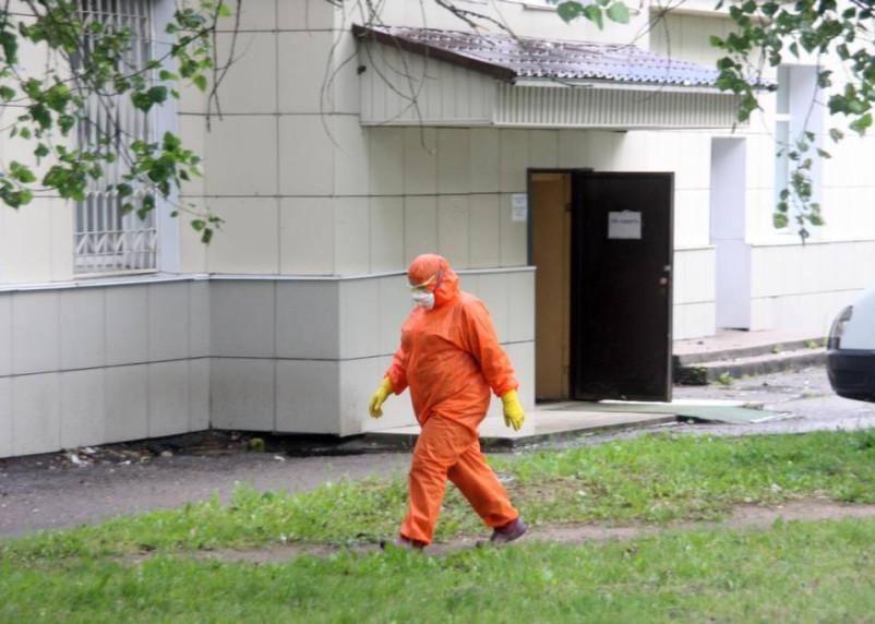 В Смоленске 2383 человека заражены коронавирусом