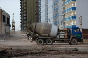 В шахте лифта новостройки в Смоленске обнаружили тело рабочего