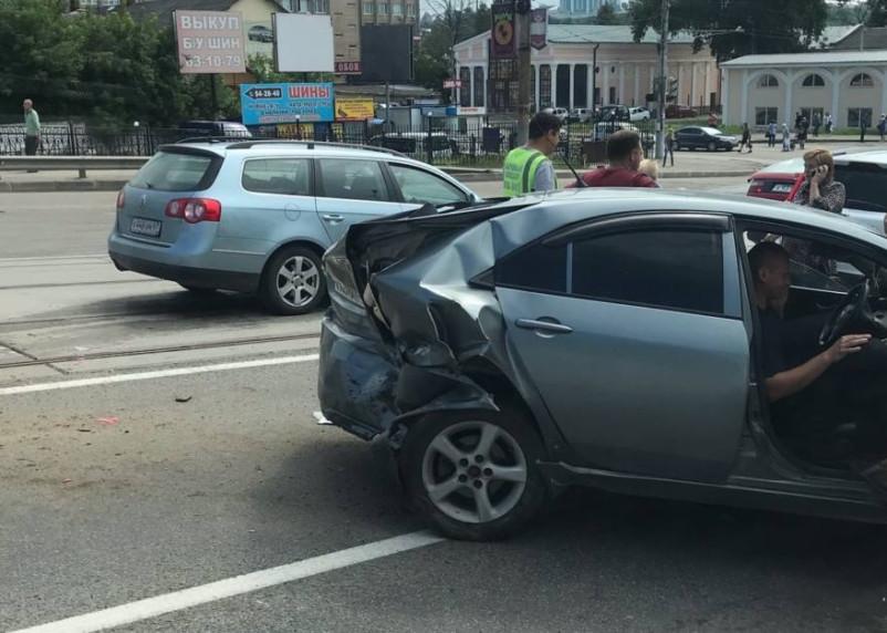 Водителю стало плохо. Стали известны подробности смертельной аварии на Колхозной площади