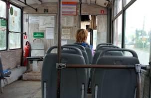 В Смоленске в трамвае разгорелся скандал из-за кашляющей пассажирки