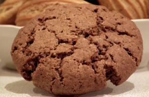 Специалисты признали овсяное печенье на полках магазинов безопасным