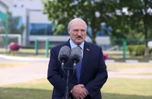 Лукашенко заявил о готовности провести выборы одновременно с США