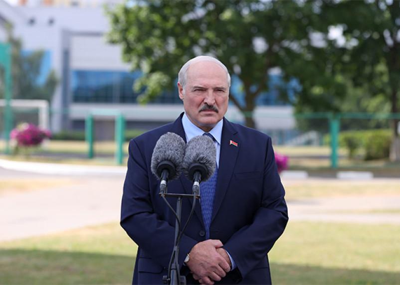 Лукашенко провел встречу в СИЗО с белорусской оппозицией
