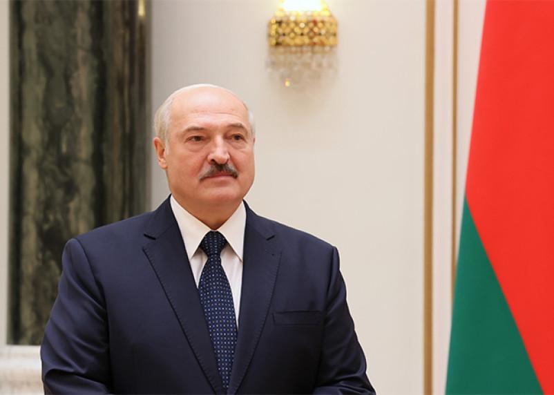 Лукашенко похвалил сотрудницу роддома за несоблюдение рекомендаций ВОЗ