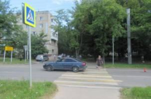 На пешеходном переходе в Смоленске иномарка сбила пенсионерку