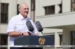 Лукашенко сообщил о готовности поделиться властными полномочиями