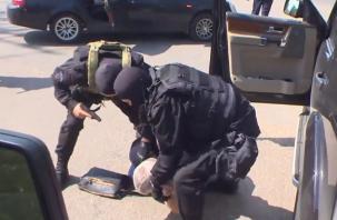 На Смоленщине задержание спецназом Росгвардии криминального авторитета попало на видео