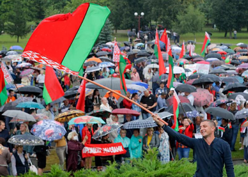 Совбез Белоруссии сравнил протесты с «августовским путчем»