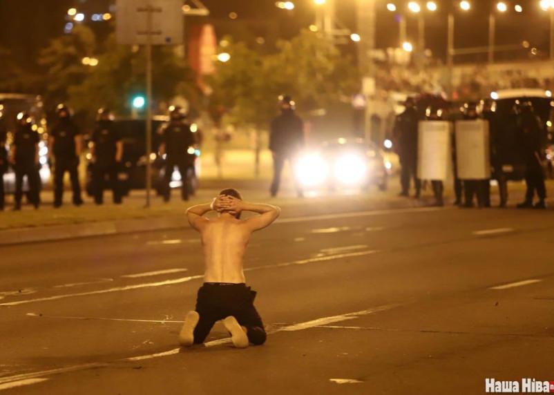 Число задержанных на протестах в Белоруссии превысило шесть тысяч
