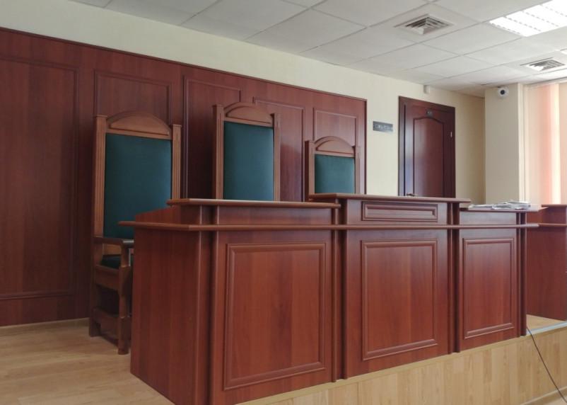 Под Смоленском полицейского осудили за незаконную миграцию и взятки