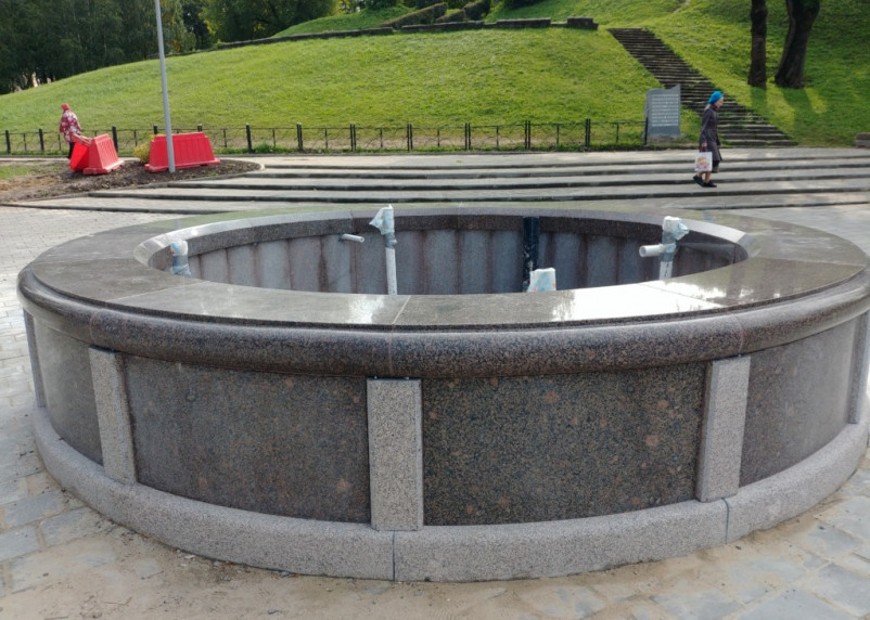 Смоленское УЖКХ установило «ванну-джакузи» в Парке Пионеров