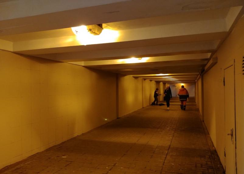 Белый как холст. Подземный переход в Смоленске очистили от граффити