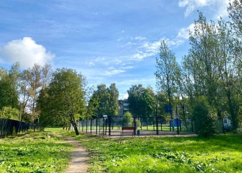 В Смоленске на еще одной улице появились тренажеры