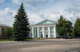 В Смоленской области кандидат в депутаты пообщался с народом матом