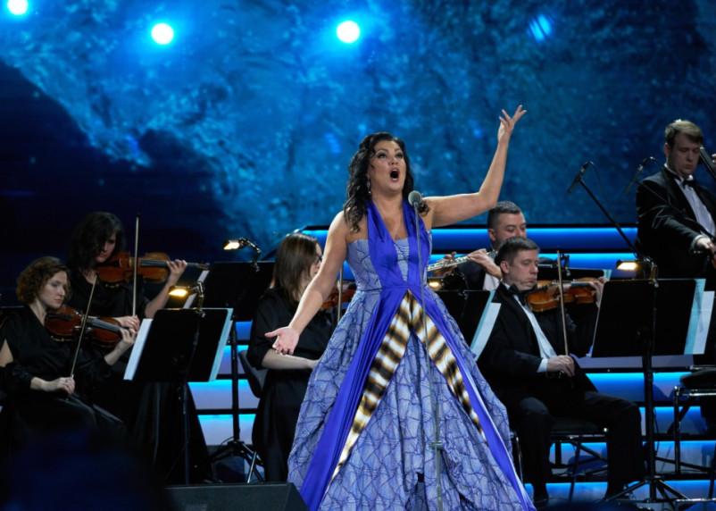 Оперная певица Нетребко попала в больницу с коронавирусной пневмонией