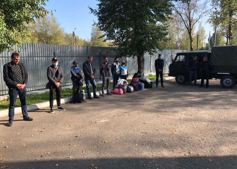 Более 20 нелегалов пытались пересечь границу в Смоленской области