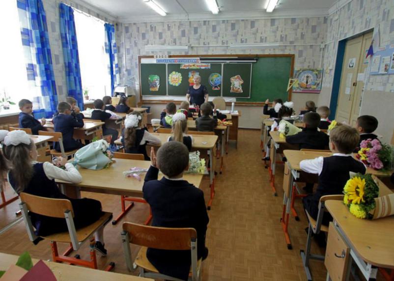 В Смоленской области коронавирусом чаще всего болеют пенсионеры и школьники