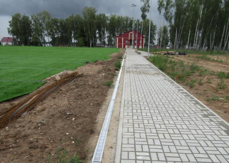 На стадионе в Ярцево, где обнаружили массовое захоронение, начались тренировки
