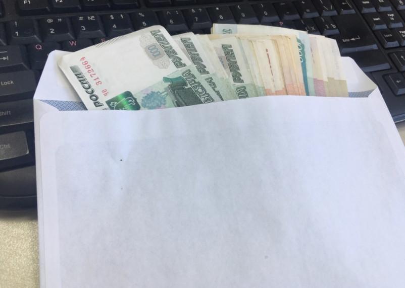 ФСБ поймала водителя таможни на передаче взяток должностному лицу