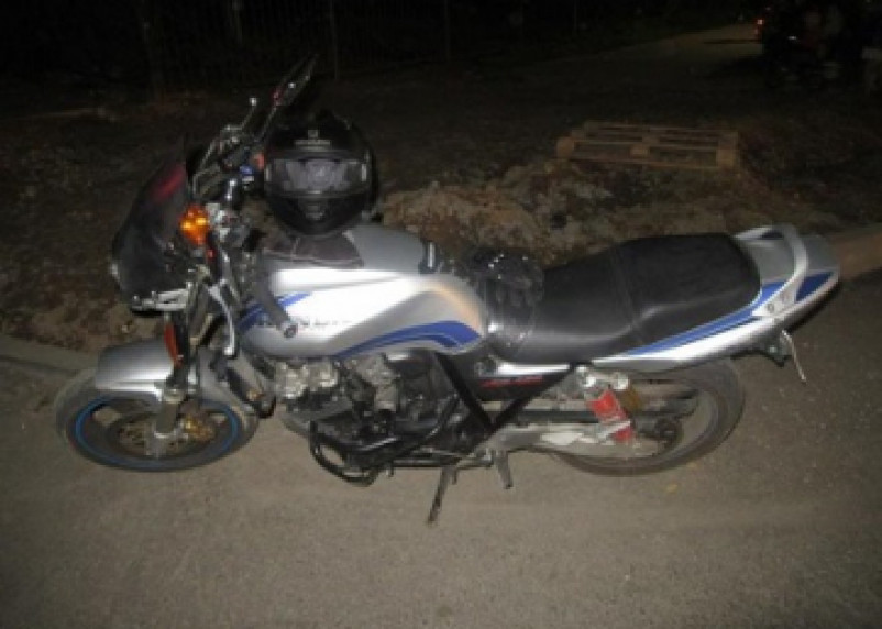В Смоленске мотоциклист сбил мужчину на переходе
