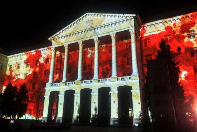 Появилось видео масштабного светового шоу в центре Смоленска