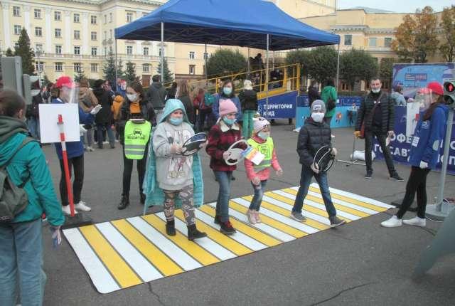 Юные инспекторы движения в Смоленске. Фоторепортаж