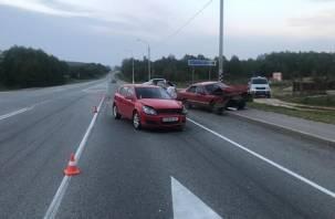В Смоленской области в жестком ДТП пострадали два человека