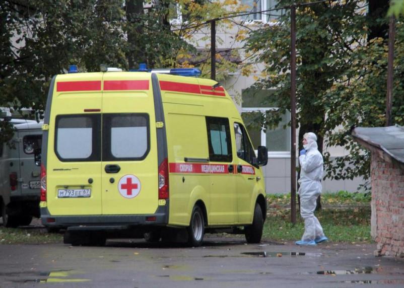 Главврач Коммунарки спрогнозировал третью волну коронавируса в России