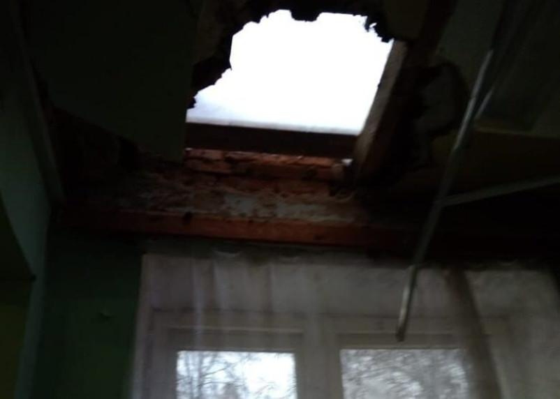 В смоленской школе рухнул потолок во время урока