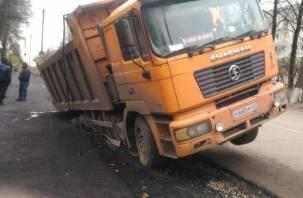 В Смоленской области самосвал чуть не проломил водопроводную магистраль