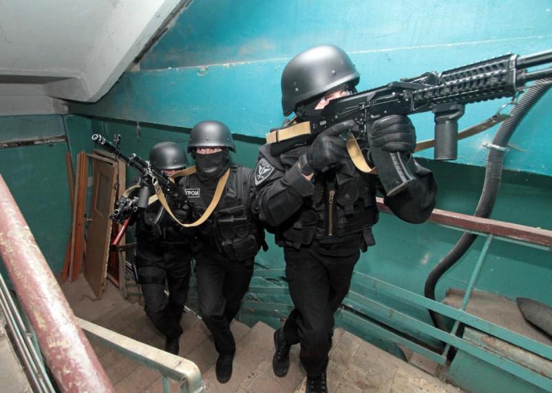 Пьяные парни устроили стрельбу. Подробности оцепления в Смоленске