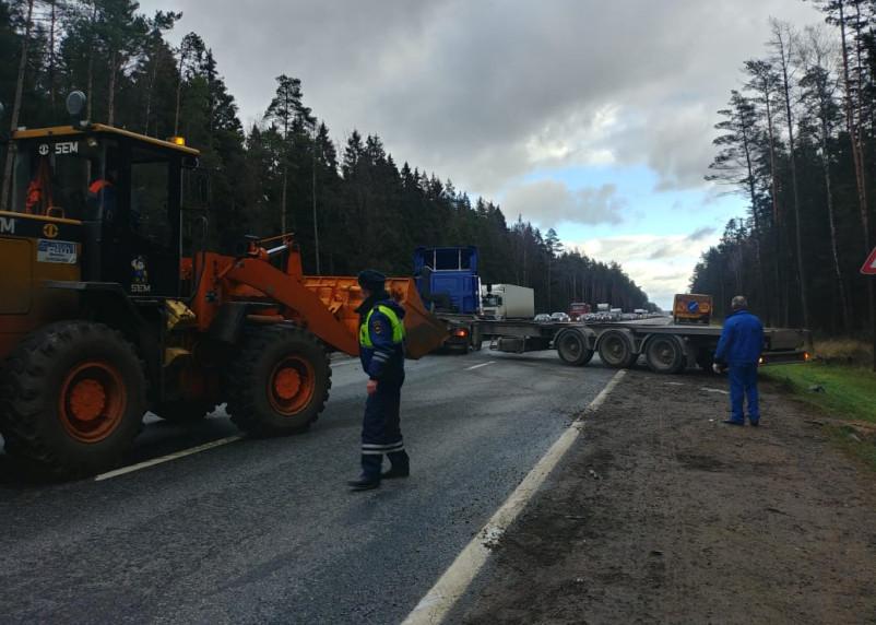 ДТП на трассе М-1 парализовало движение на Москву