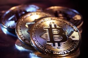 С декабря 2017-го. Стоимость биткоина превысила 18 тысяч долларов