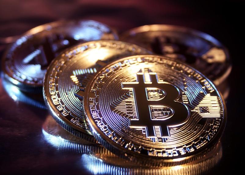 Стоимость биткоина превысила 25 тысяч долларов
