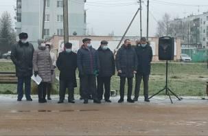 Жителям Игоревской пообещали возобновление работы завода ДСП
