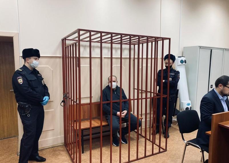Обвиняемому в растрате 700 млн экс-губернатору Михаилу Меню избрали меру пресечения