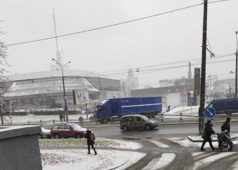 Грузовики со смоленскими номерами заметили у хранилища Нацбанка Беларуси