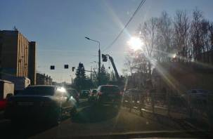 В Смоленске начался транспортный коллапс на улице Фрунзе