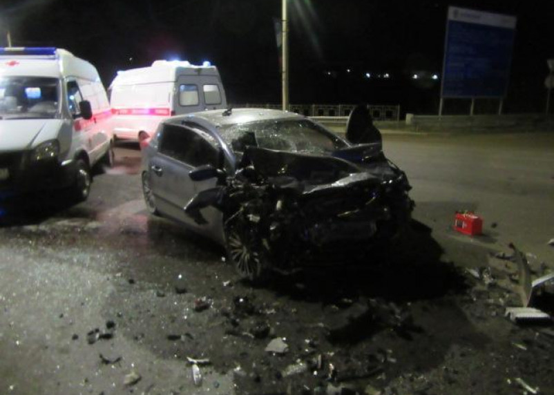 В Смоленске полиция ищет свидетелей страшной аварии с двумя погибшими